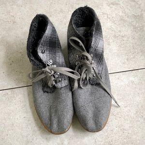 Toms Gray Plaid Chukka Fleece Boots